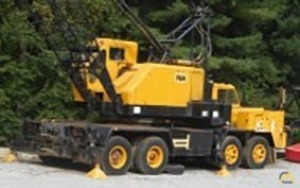 P&H 440TC 40-Ton Lattice Boom Truck Crane