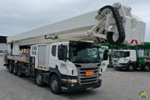 Palfinger P 900 Truck Mounted Boom Lift with Articulating Jib on Scania P400