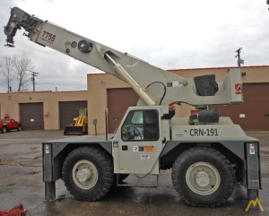 Shuttlelift 7755 22-Ton Carry Deck Crane