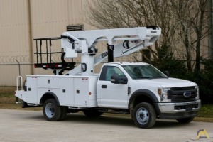 Versalift  VST-50-TN Aerial Bucket Truck on a 2019 Ford F550