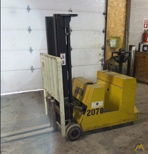 Yale MCW020 Counterbalanced Stacker