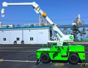 Zee Crane 4500 4.5-Ton Electric Carry Deck Industrial Crane